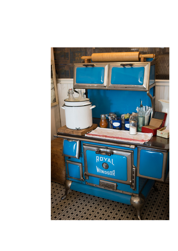 PTJ_The Blue Stove_2